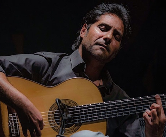 Niño Josele is, without any doubt, one of the great stars of flamenco guitar in Spain. In his recital Niño Josele interpreting some of his own compositions and great classics of flamenco guitar.