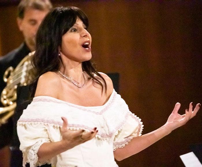 Le piu' belle arie d'opera. Enchanting opera arias
