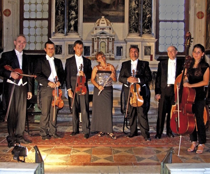 Most famous Opera Arias performed by splendid voices and Piano. Performed in the ancient Venice Prison Palace linked to the Doge's Palace by the famous