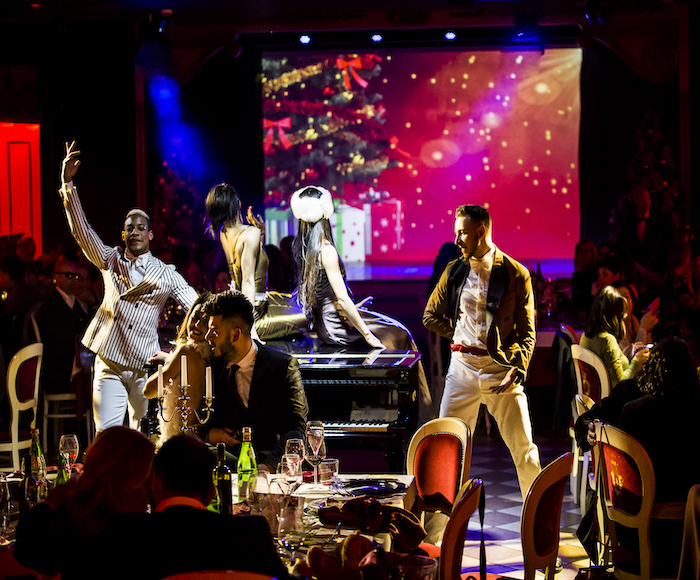 Enjoy the New Year's Eve Party admiring Amazing Performances of international artists inside the most eccentric Dinner Hall in Venice, tasting a delicious and refined Seafood Menu and sipping selected wines from the best italian cellars while waiting...